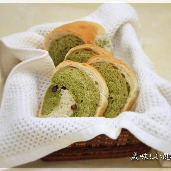 抹茶マーブル食パン