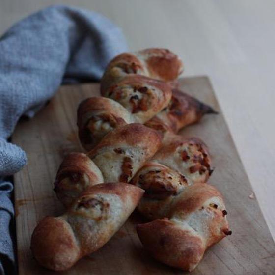 食パン(ライ麦全粒粉とレーズン)と2種のエピ レッスン