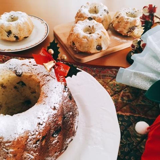 豪華で簡単クリスマスにホシノ酵母でクグロフ&リンゴコンポート