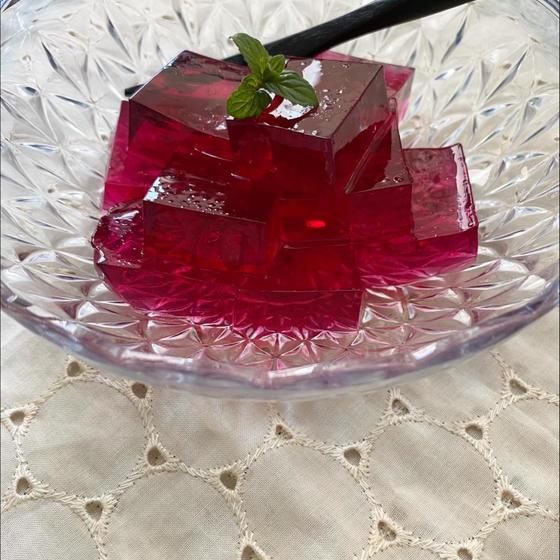 赤紫蘇シロップで見ためも綺麗な紫蘇ゼリー
