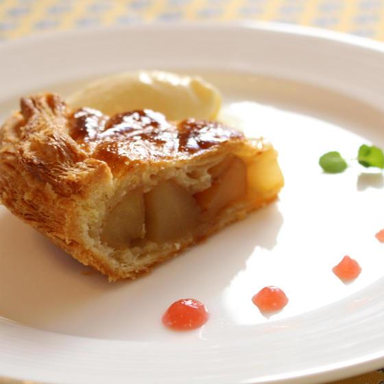 温かいアップルパイと冷たいアイスクリームが美味しい♡