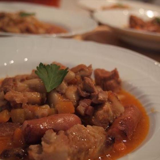 フレンチスタイルの家庭料理ー冬にぴったりの煮込み料理カスレ