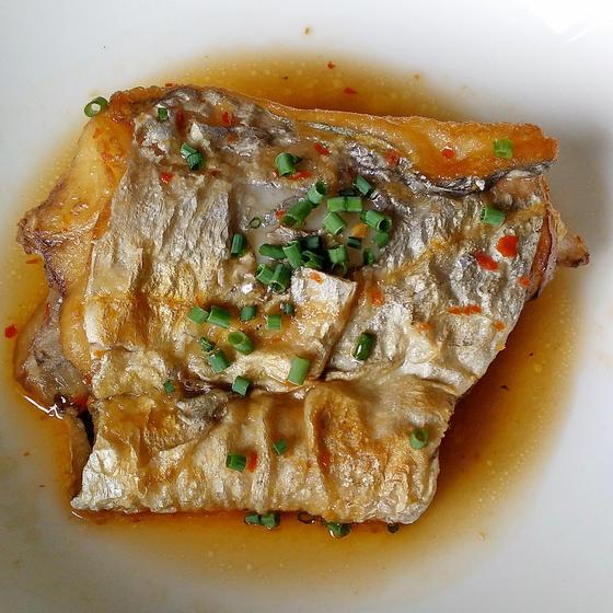 魚をさばく家庭料理