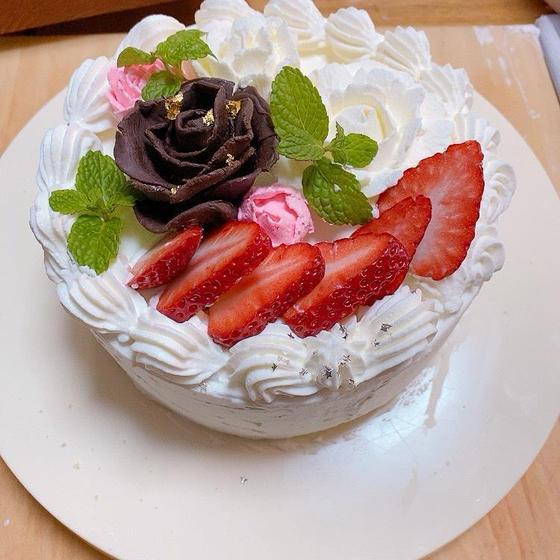 お祝いパンとケーキの講習  一升パンとデコレーションケーキ 結婚プレートも