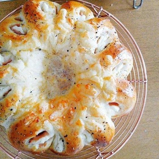 生ハムチーズリングパン