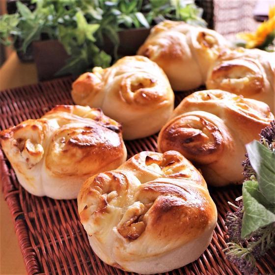 【パン】りんごクリチロール&チーズフォンデュ