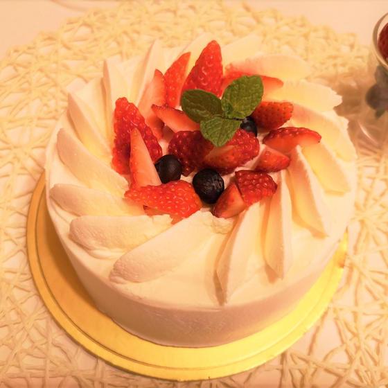 基本のいちごショートケーキ