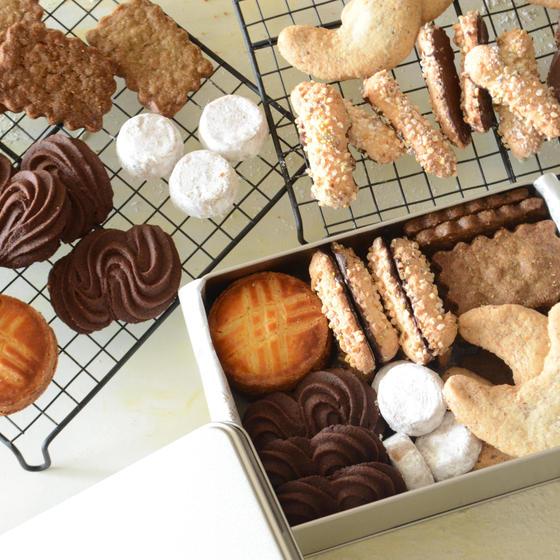 新メニュー! 6種類のクッキーを缶に詰めて クッキー缶2