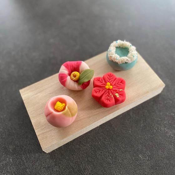 季節を愉しむ和菓子作り 〜冬を模る練り切り〜