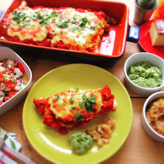 定番のメキシカン!エンチラーダスとトレスレチェケーキ