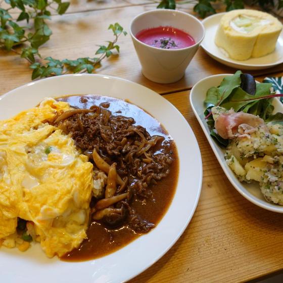 おうちで洋食屋さんの味!ハッシュドビーフとふわとろオムライス