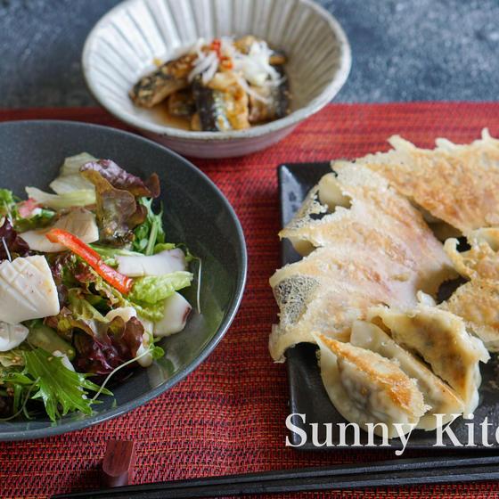 【お魚がご自宅に届きます】さんま餃子とイカ中華サラダ