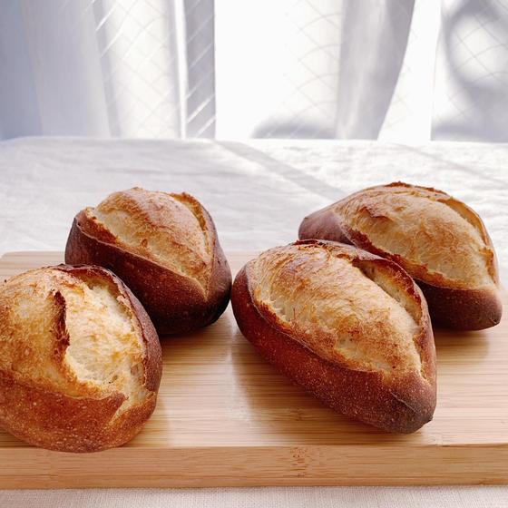 ホシノで塩麴を使ったパン2種