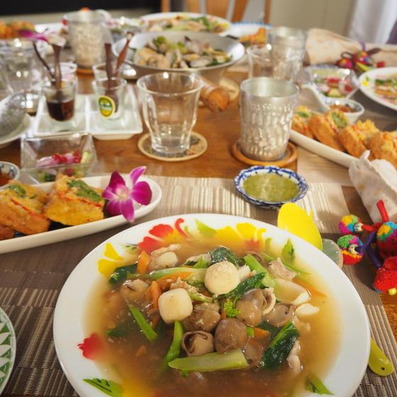 タイの揚げパンはとてもお洒落♪ 生麺を使ったあんかけ麺も☆