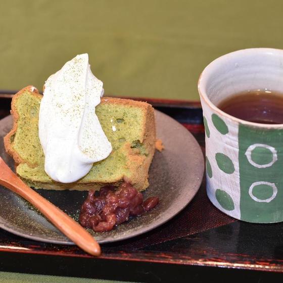 ★6月のお菓子『抹茶のシフォンケーキ』