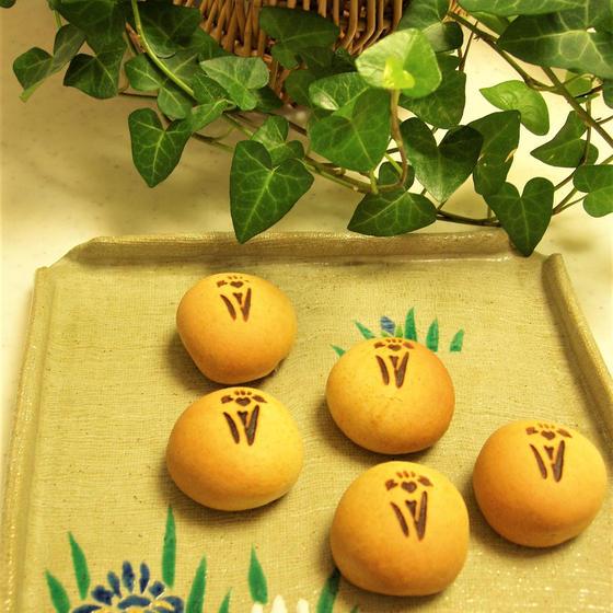 ✿和菓子・あやめ✿ 焼き饅頭のお稽古です。