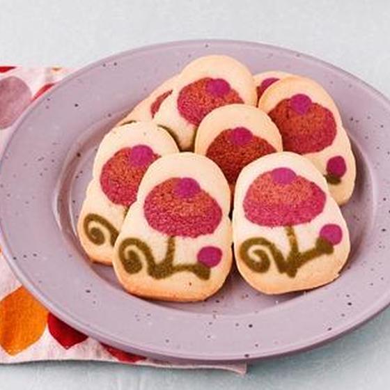 ハンガリー刺繍風のお花のくむクッキー
