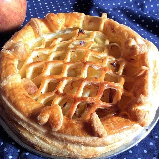手作りパイ生地から作るアップルパイ