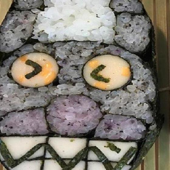 バイバイキ~ンの飾り巻き寿司となめらかプリン