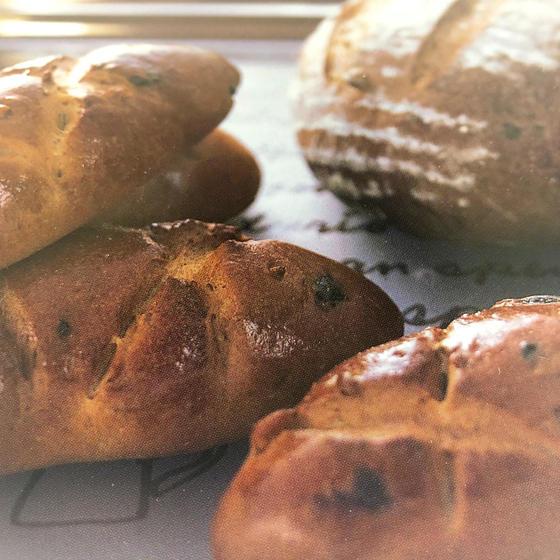 ウインナーチョコロール、ハイジのおしりパン