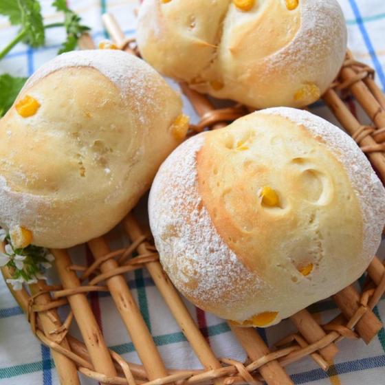 ふわふわコーンパン