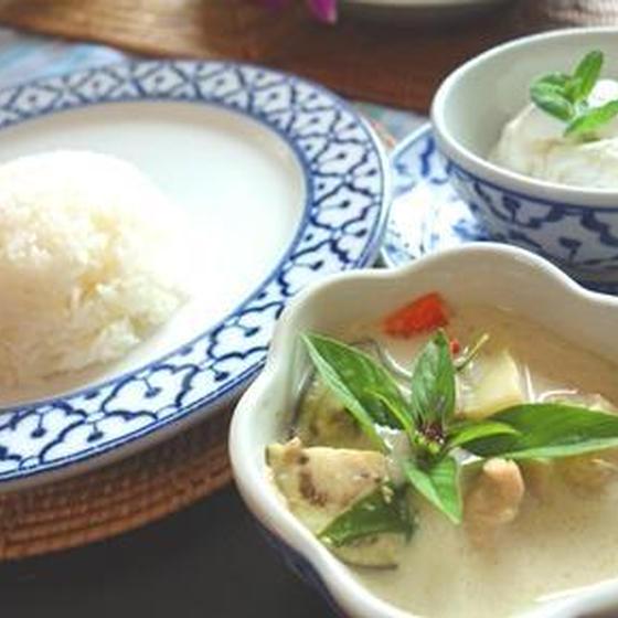 タイ料理入門!ペーストから作るグリーンカレー&薩摩揚げ
