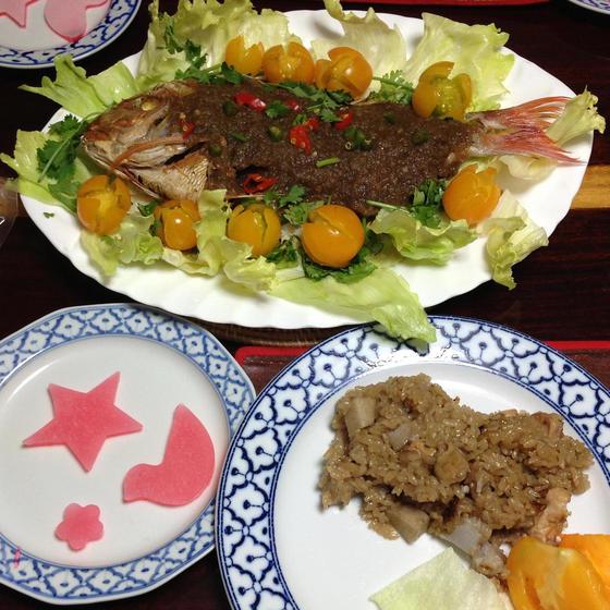 タイのランチ揚げ魚のスパイシーソース&里芋の炊込ご飯&ゼリー