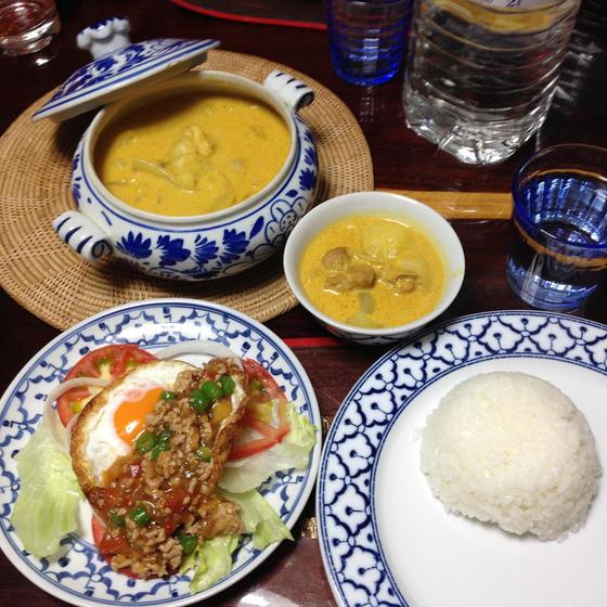 タイ料理で暑い夏を乗り切ろう!イエローカレー&カボチャプリン
