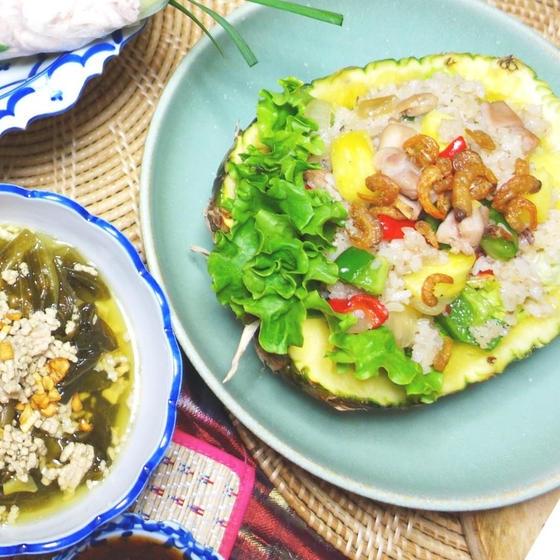 子連れでタイ料理♪パイナップル炒飯&高菜のスープ&デザート