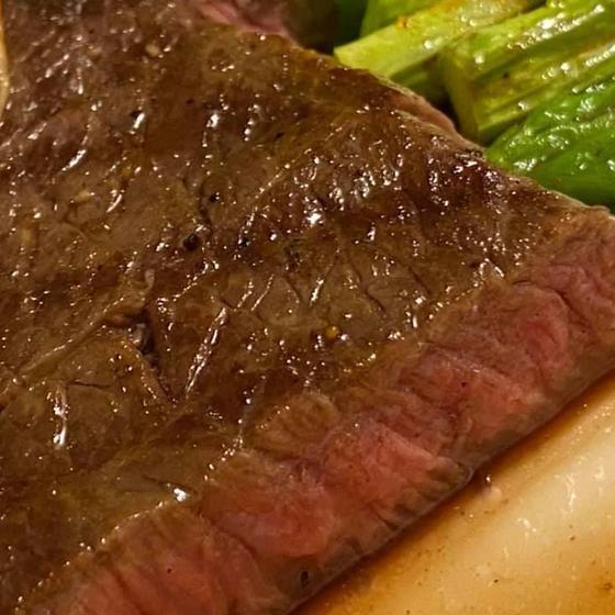 安いお肉も柔らかく美味しいステーキに。