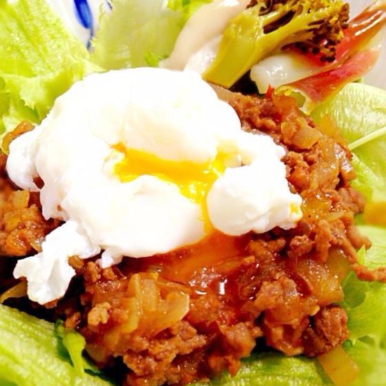 【料理&パン】スパイシードライカレー&ポーチドエッグ&パン