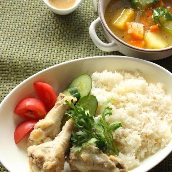 鶏だしが決め手!東南アジアの味を楽しもう!