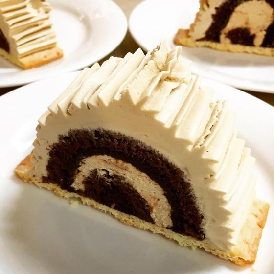 男前なロールケーキ「チョココーヒービュッシュ」