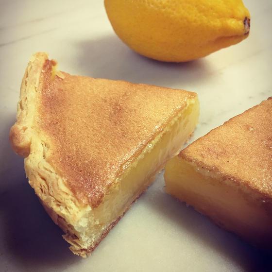 甘くて酸っぱくて、イルプルーのレモンタルト「タルト・シトロン