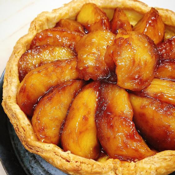アップルパイみたいに!!「アップルタルト」旬の味わい!