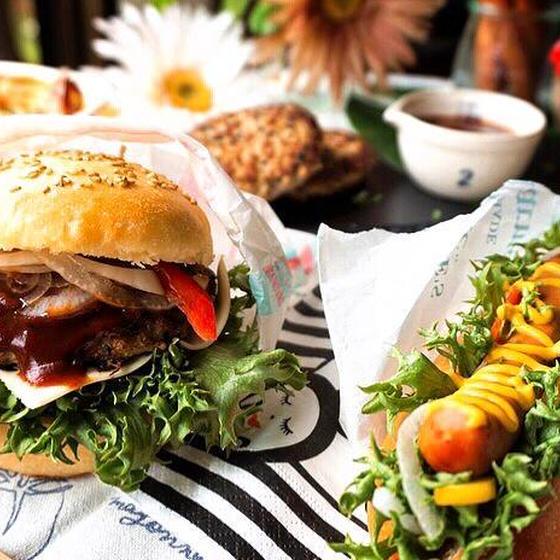 とかち野酵母♡手作りハンバーガー&ホットドッグ*他2品