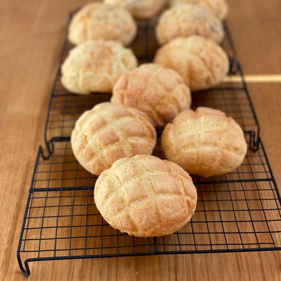 ストレート法で作るメロンパンとグリッシーニ