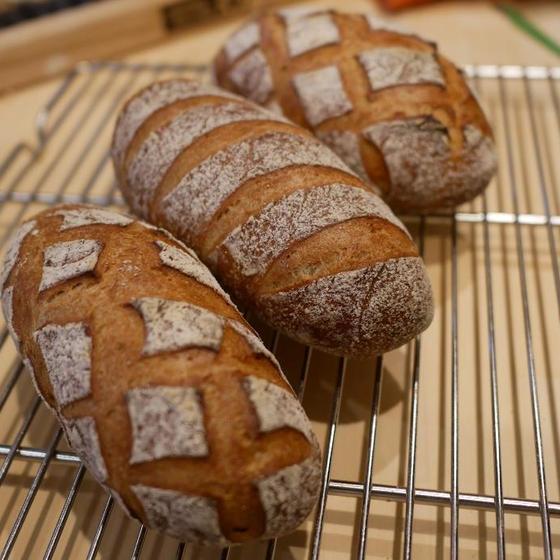 基本のフランスパンレッスン:パン・コンプレ