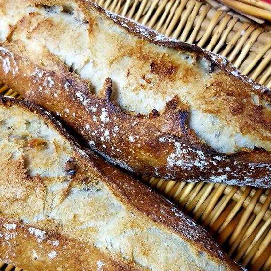 山形食パンと全粒粉カンパーニュ