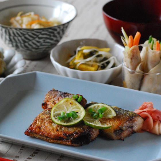 和食でほっ。秋刀魚と柿で秋ご飯