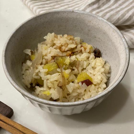 おさつとゴボウの炊き込みご飯