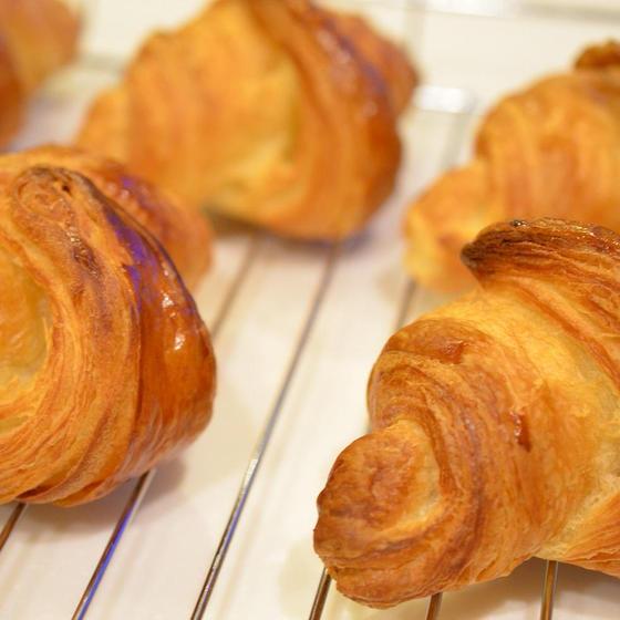 ブランド小麦と発酵バターでつくる 『贅沢クロワッサン』