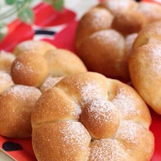 米粉パン(小麦グルテン入り)&きな粉クリーム米粉入りコッペ。
