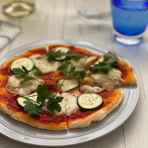 酒粕チーズのピザ