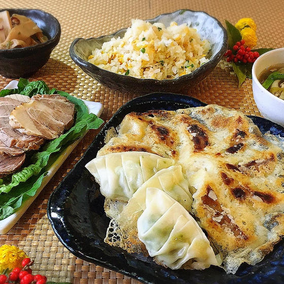 羽根つき餃子&パラふわ炒飯とお友のスープ他、おつまみセット