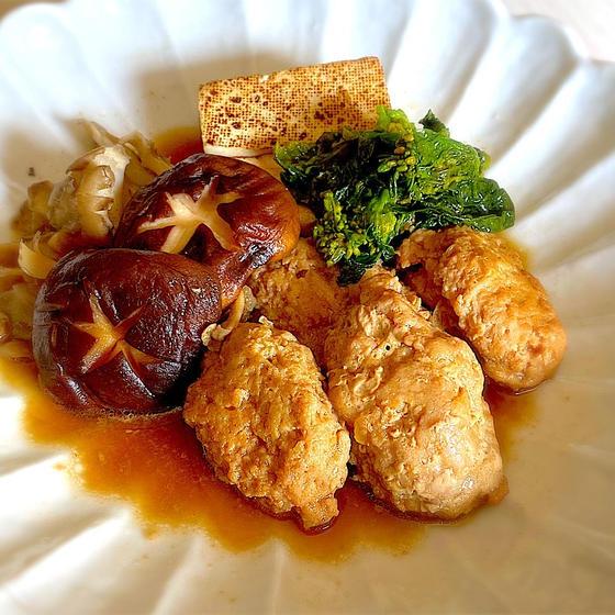 ふわふわ肉団子と青菜の蒸し煮
