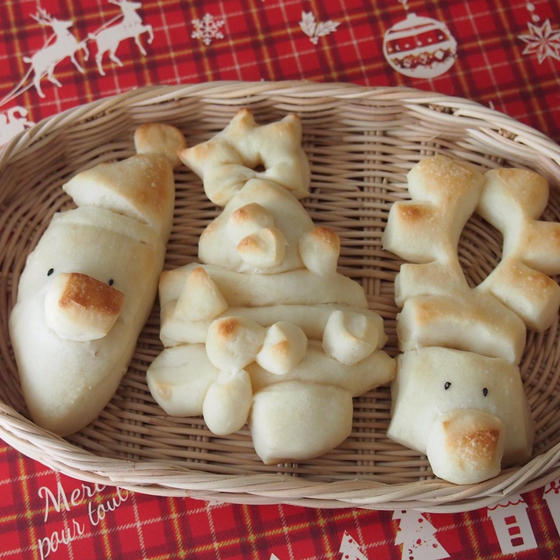 ご一緒にサンタ、トナカイ、ツリーパンはいかがでしょう?
