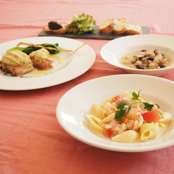 もてなし料理B 🦐 コンキリエの魚介クリームパスタ
