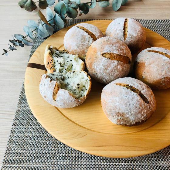 【パン】米粉のごまパン