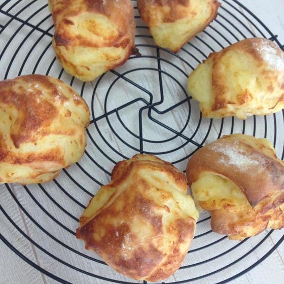 ジュワッとバター香る、ジャガイモたっぷりのパン焼きましょう!